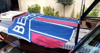"""Με την σημαία της """"Βασίλισσας"""" κηδεύτηκε ο Μανώλης Μόσχος"""
