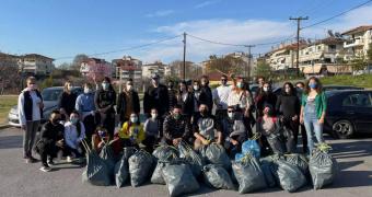 Τα μέλη του Συλλόγου Νεολαίας Βέροιας καθάρισαν και τον Προμηθέα (φωτο)